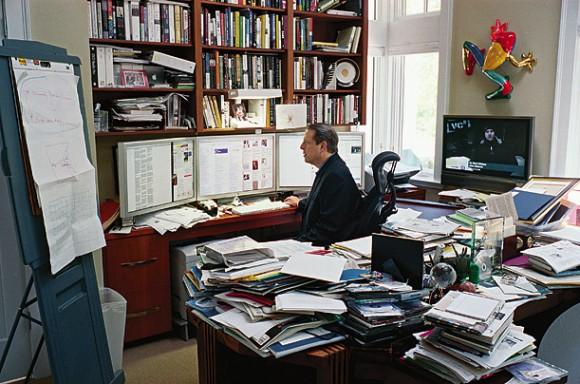 Al Gore no seu escritório